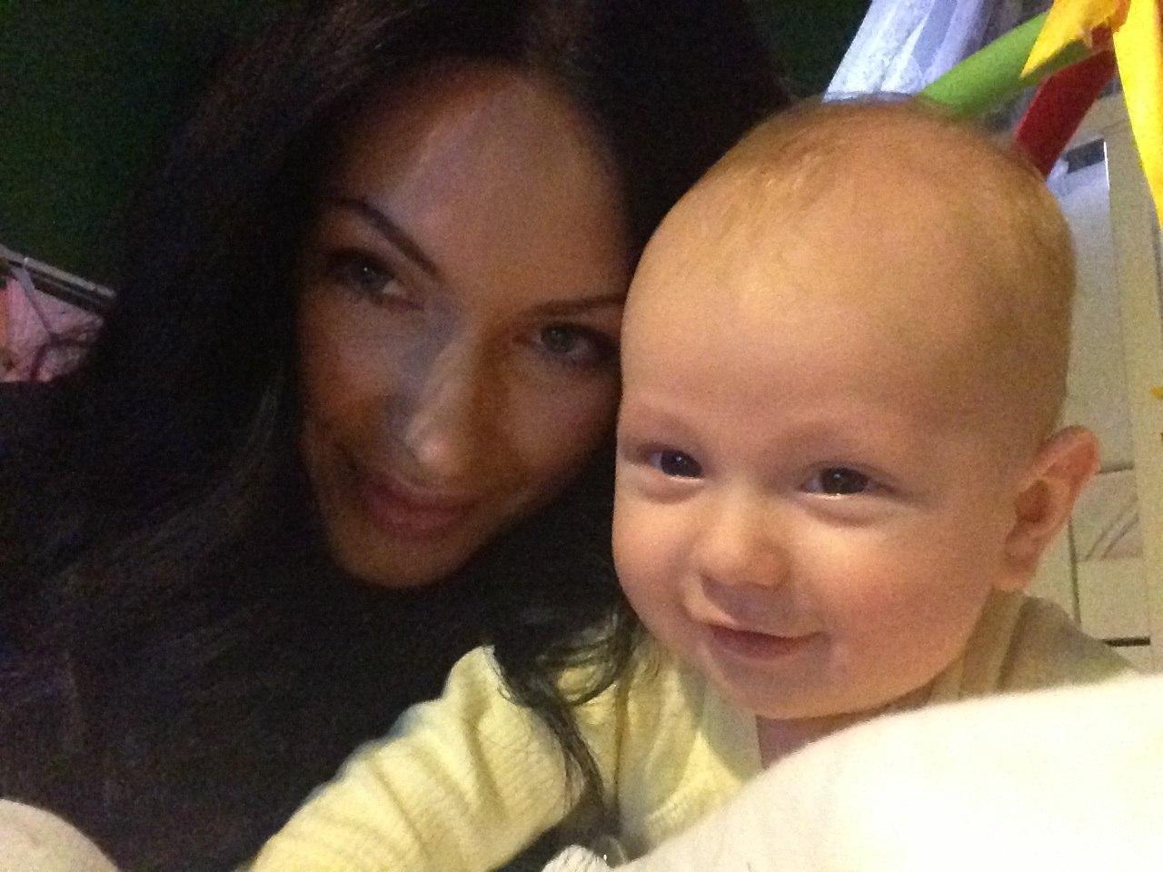 Фото жени феофилактовой и антона и ребенка